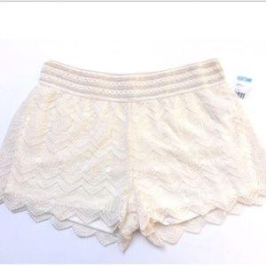 Bongo Women's Elastic Waist Lace Shorts Ivory